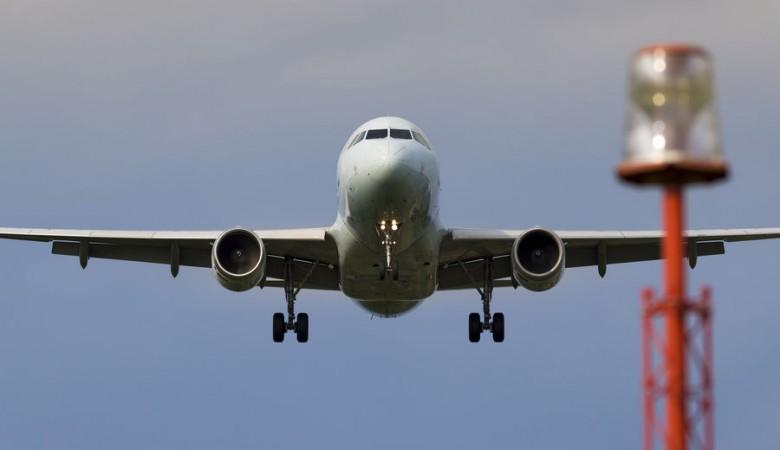Самолет выкатился за пределы ВПП в аэропорту в Красноярском крае