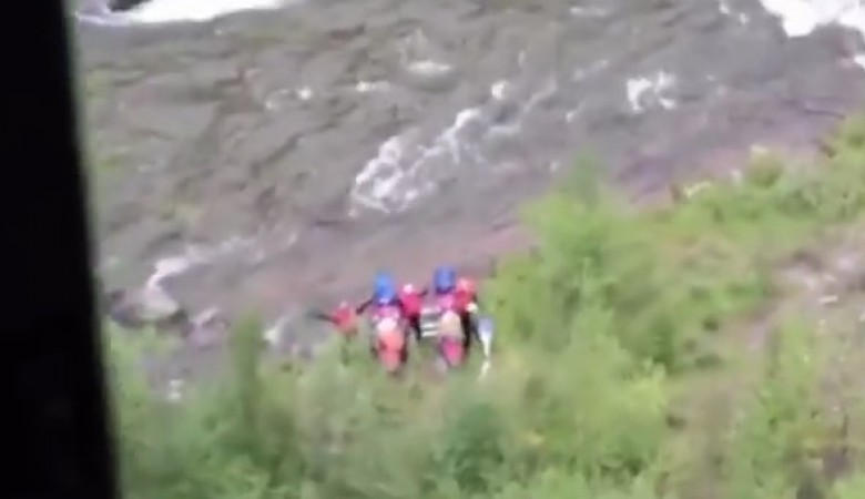 Спасатели нашли трёх попавших с перевернувшегося катамарана в Туве