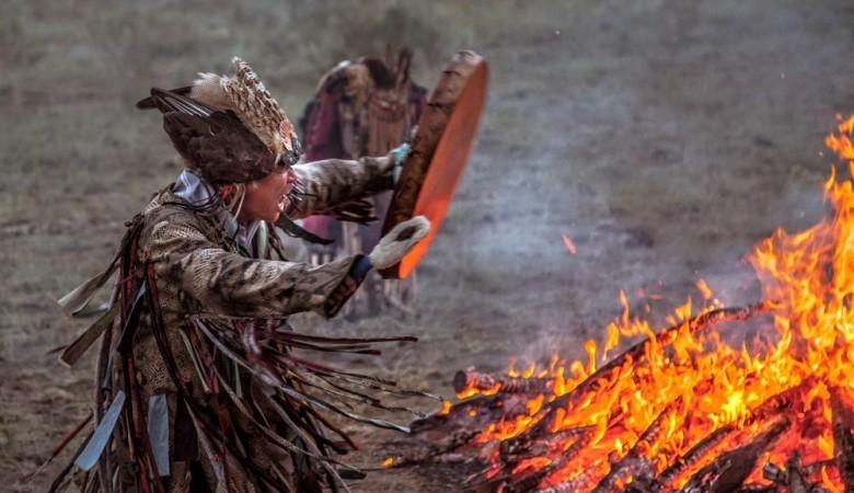 В Иркутской области шаманы сожгли 5 верблюдов для укрепления России и ее народов