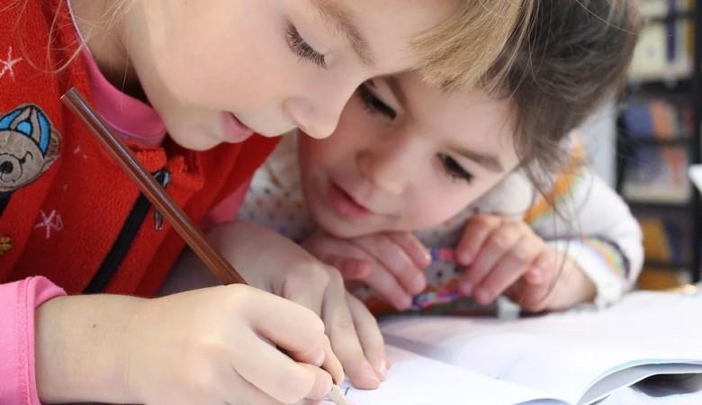 Дети из 14 школ Иркутска получили письма с угрозами жизни