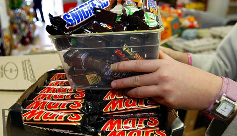 В Омске вор-сладкоежка украл 60 плиток шоколада