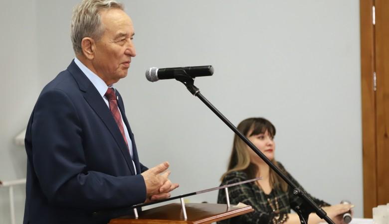 Спикер парламента Хакасии получит взыскание за слова о депортации калмыков