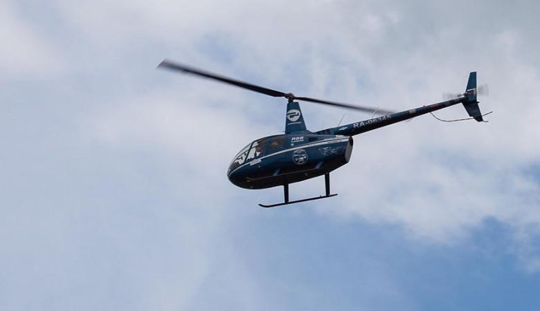 На месте вероятного крушения вертолета на Алтае нашли тело женщины