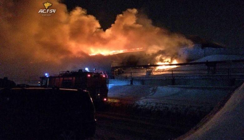 ВДзержинском районе сгорел склад состройматериалами