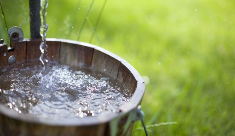 Жители Хакасии пожаловались на спирт вместо воды из скважины
