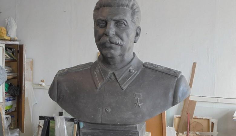 Бюст Сталину в Новосибирске установят около колледжа имени летчика-аса Покрышкина