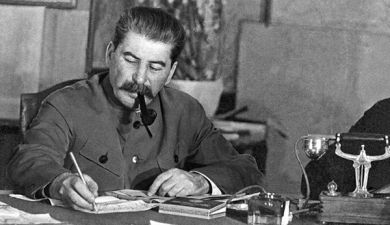 Власти Новосибирска разрешили установку памятника Сталину у обкома КПРФ