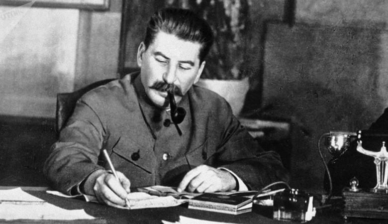 Памятник Иосифу Сталину официально открыли в Новосибирске
