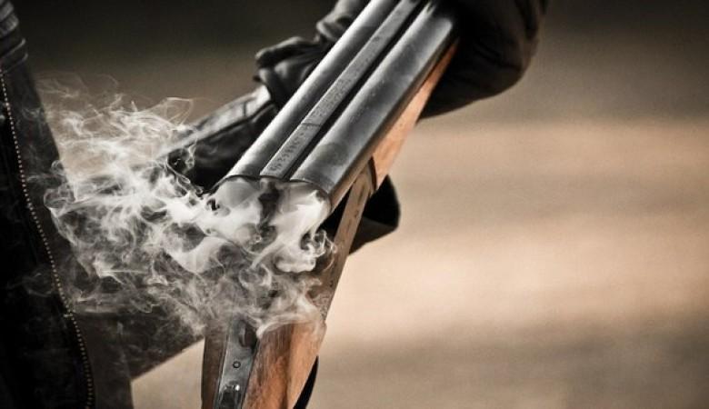 Житель город Обь устроил стрельбу около школы, ранив девочку