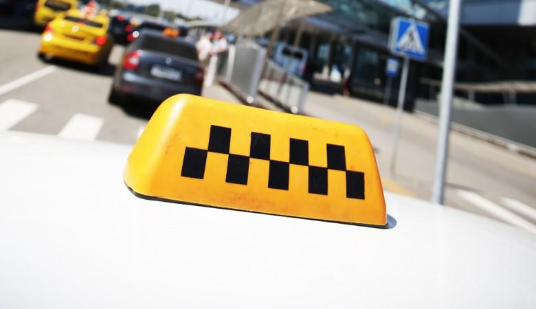 Таксист скончался прямо зарулем вутренний час пик вКрасноярске