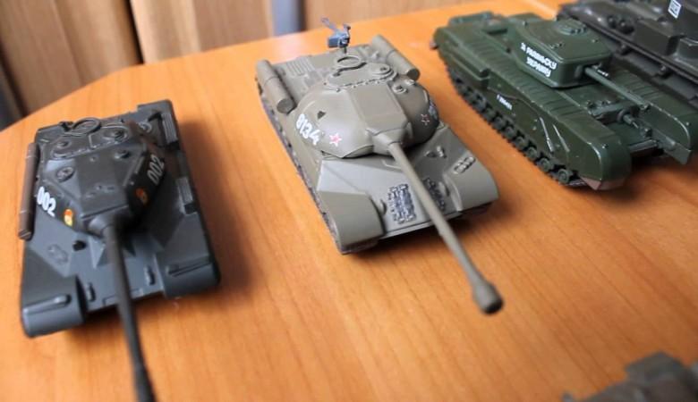 Приставы арестовали коллекцию танков у отца-алиментщика