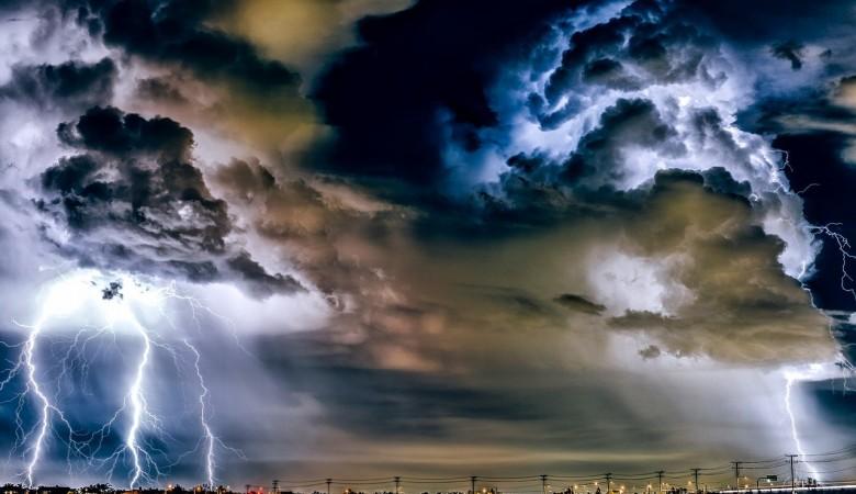 Град и порывистый ветер. В Томской области объявлено штормовое предупреждение