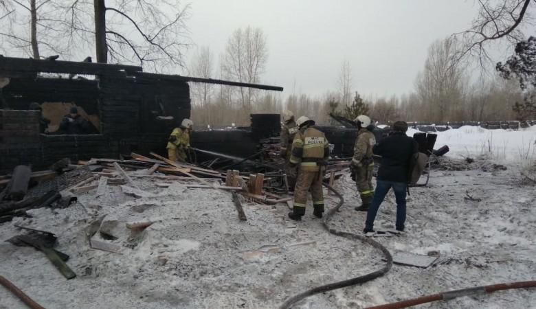 Пожарные нашли тела шестерых после пожара в томском общежитии, где находились иностранцы