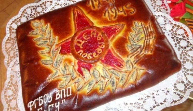В Братске ветеранов накормили тортами со звездами