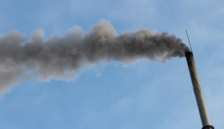 Росприроднадзор связал деятельность Газпромнефти с загрязнением воздуха в городе