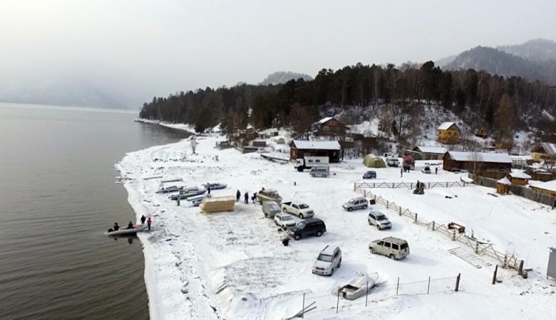 Район поиска пропавшего вертолета на Алтае полностью обследован