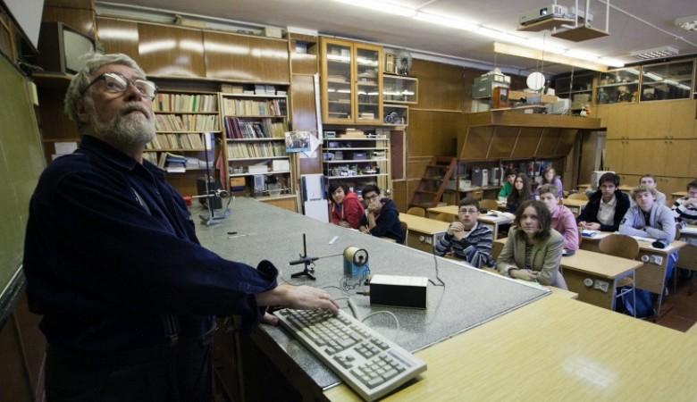 Экс-директора иркутской школы избили после отказа агитировать за кандидата от ЕР