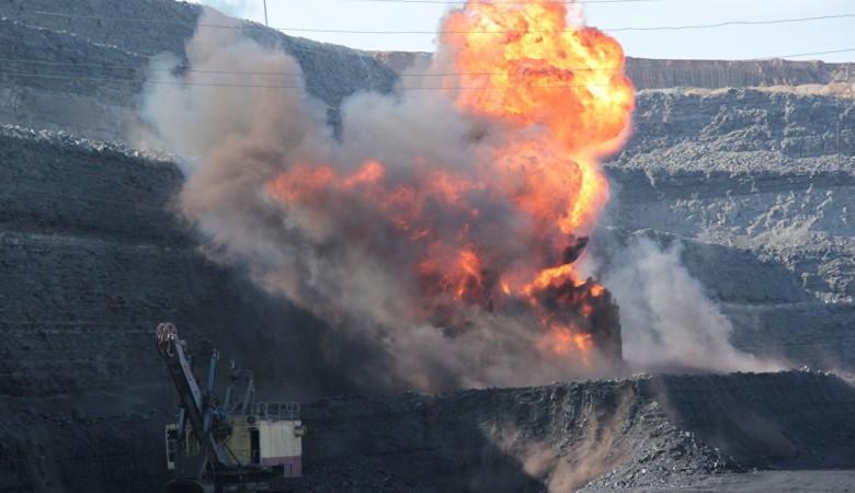 В Забайкалье горит крупнейший Харанорский угольный разрез