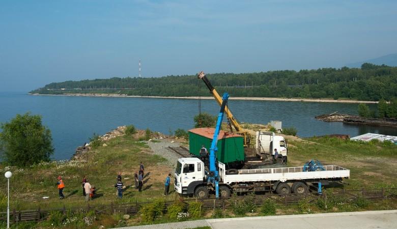 На берегу Байкала поставили старинные вагоны с Транссиба