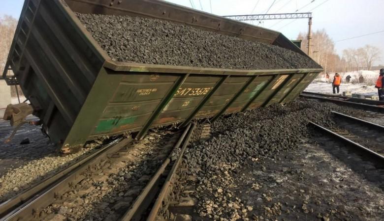 Пять пассажирских поездов задерживаются из-за схода вагонов грузового состава в Забайкалье