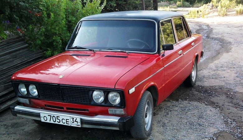 Житель Омска распилил «шестерку» на металлолом, чтобы не платить транспортный налог