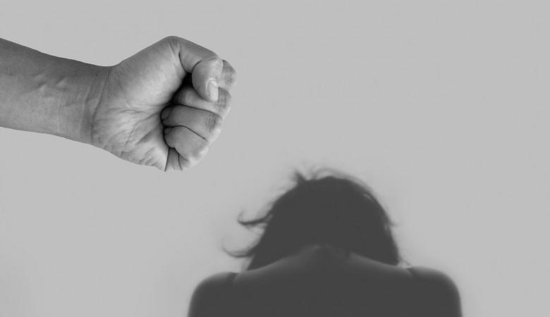 В Туве на 7 лет осудили женщину за убийство сожителя, бросившего годовалого сына на пол