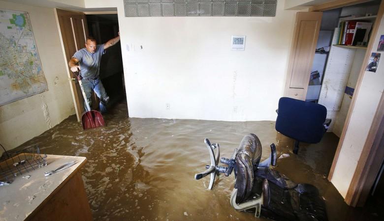 В алтайском Рубцовске весенние грунтовые воды топят жилые дома