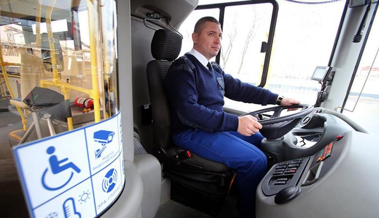 Автобусы Омскоблавтотранса встали из-за долгов
