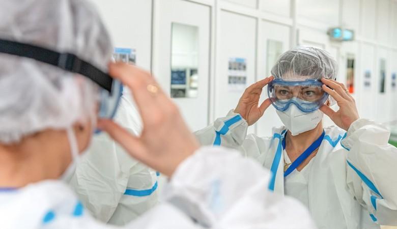 В России еще 19 744 человека заразились коронавирусом