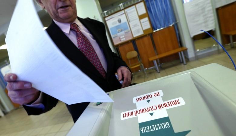 Избирком Хакасии не принял решение по жалобам кандидата на пост главы региона Коновалова