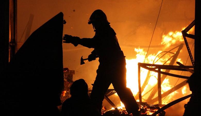 Неизвестные сожгли здание сельской администрации Иркутской области - МЧС