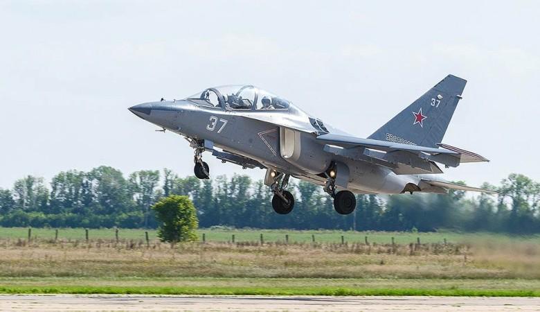 «Иркут» предлагает Индии легкий боевой Як-130 вместо учебного