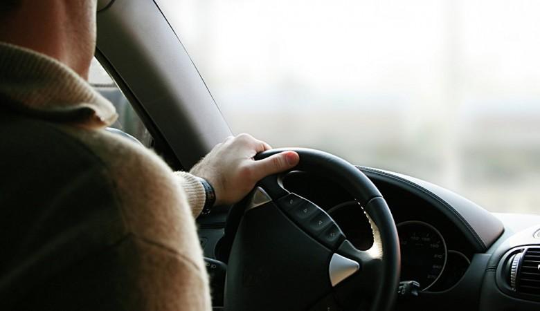 В Омске водители теряют сознание за рулем из-за жары