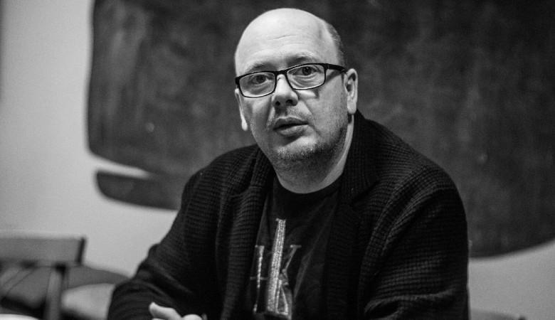 Писатель Слава Сэ умер в больнице от коронавируса