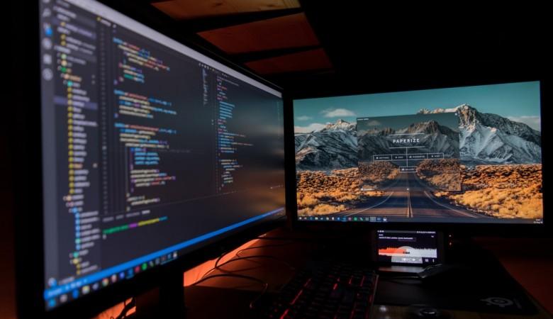 Администратор игрового клуба организовал кибератаки на социальные объекты в Омске