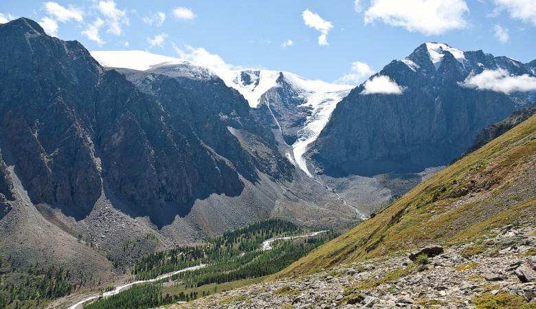 Четверо альпинистов погибли в горах Алтая