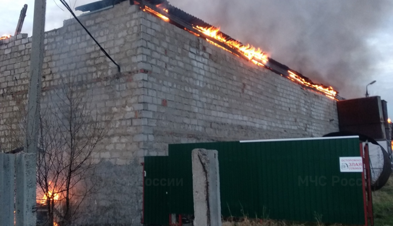 Пожар в цехе по производству угля произошел под Иркутском