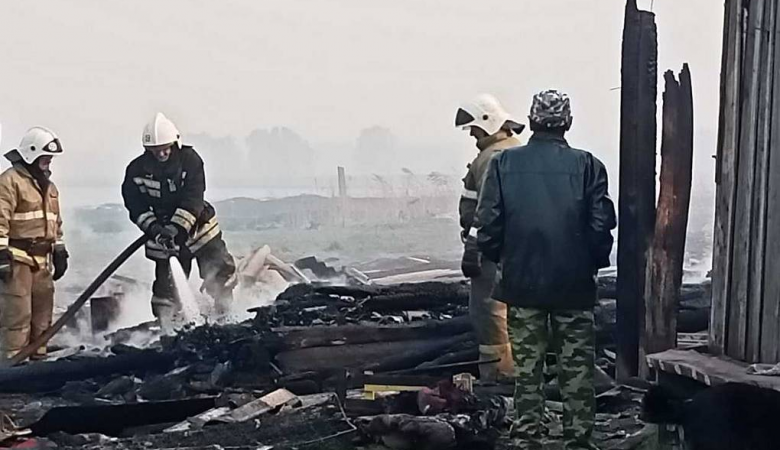 В Омской области планируют построить новое жилье пострадавшим от пожара жителям деревни