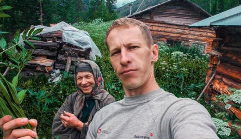 Пожар на заимке отшельницы Лыковой мог случиться из-за блогера, он задержан