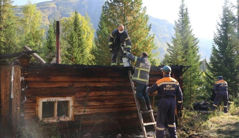 В МЧС назвали причины пожара на заимке отшельницы Лыковой