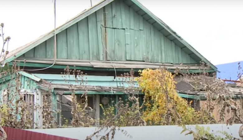 На Алтае мать-алкоголичка оставила подростка-инвалида в неотапливаемом доме без еды