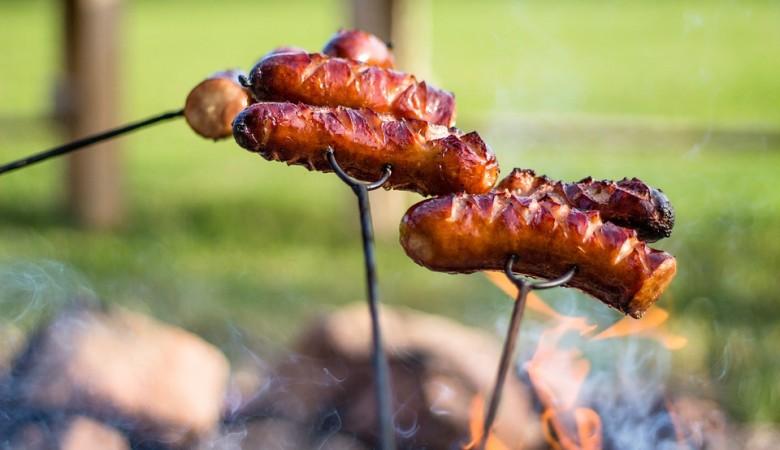 В Иркутской области ребенок сгорел во время приготовления сосисок на костре